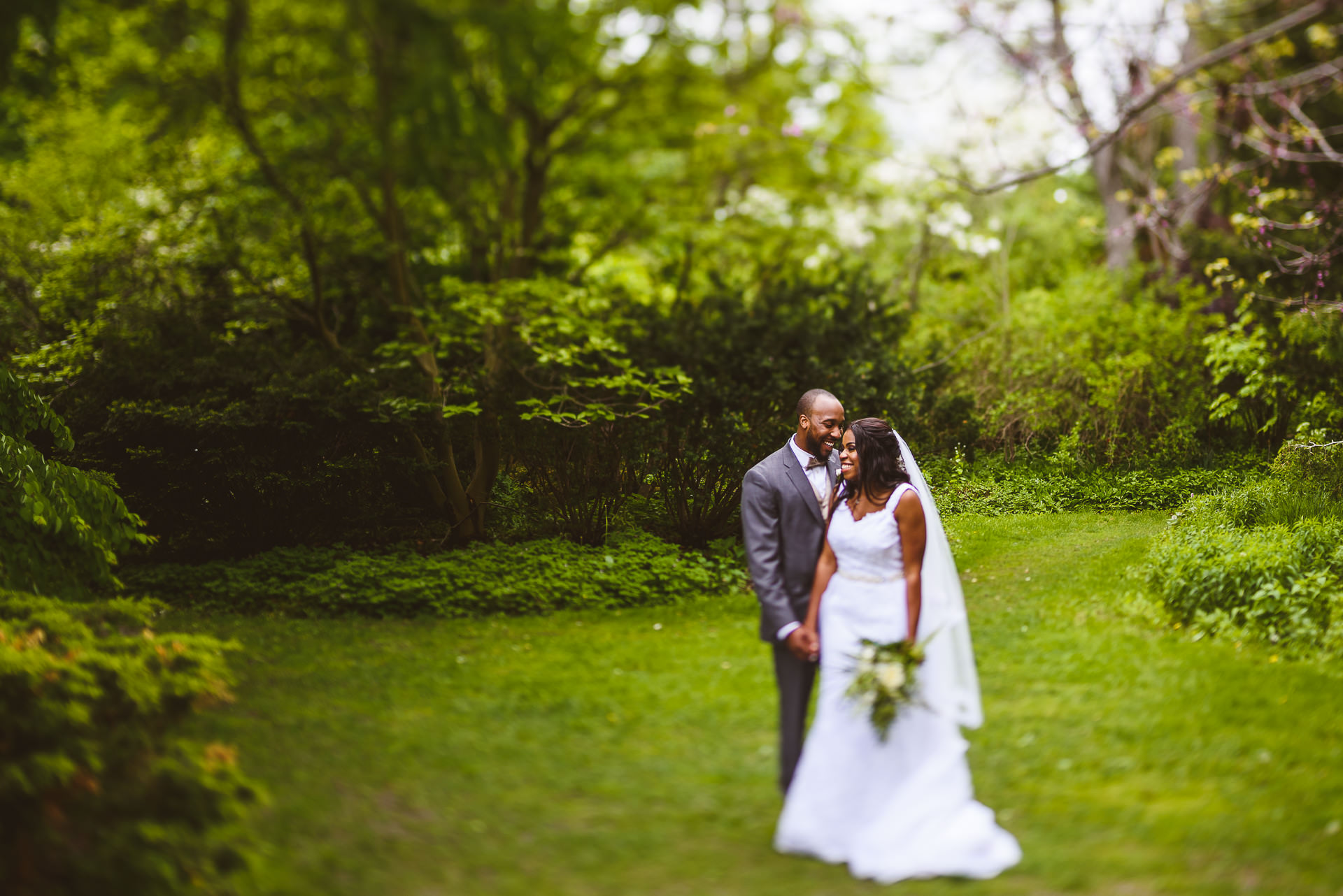 wedding photography at alex muir memorial gardens